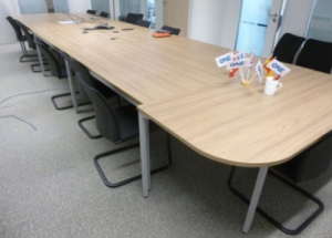 Tables De R Union Et De Conf Rence D 39 Occasion Pour Les