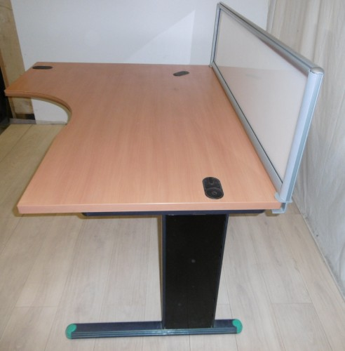cloisonnette translucide burocase. Black Bedroom Furniture Sets. Home Design Ideas