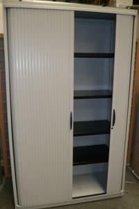 armoire rideau strafor burocase. Black Bedroom Furniture Sets. Home Design Ideas