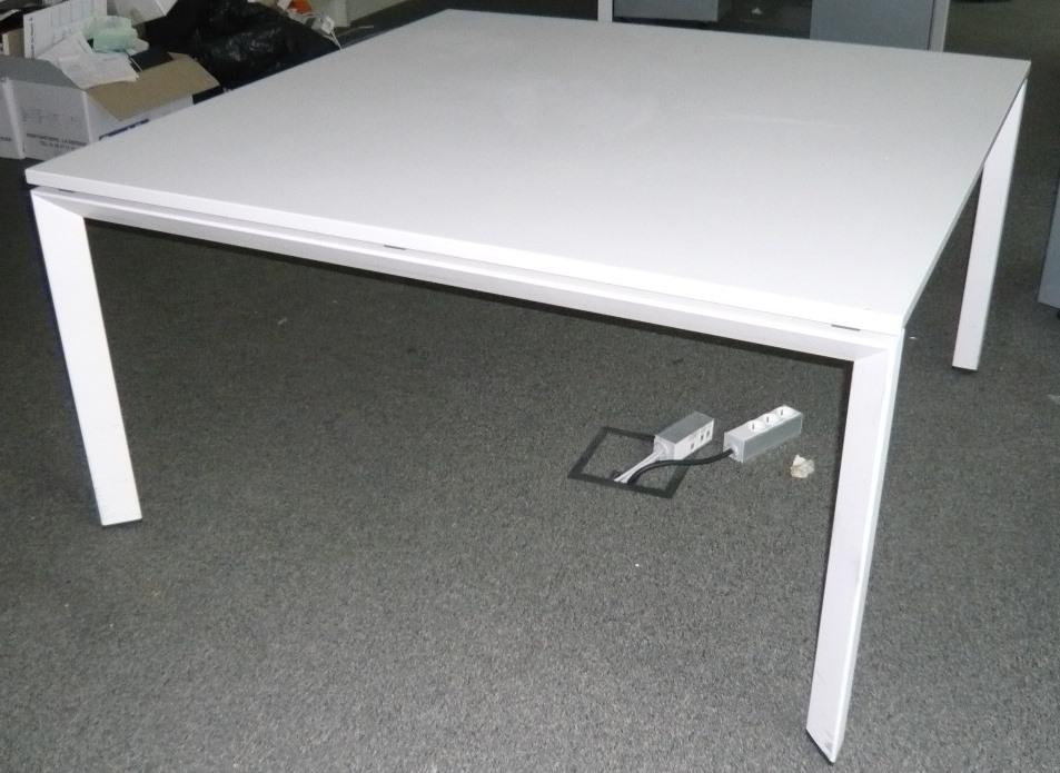 Conference steelcase burocase for Mobilier de bureau poitiers