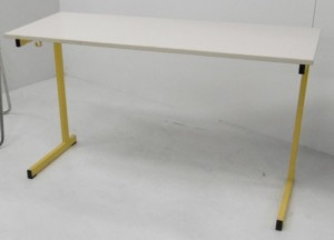 TABLE SCOLAIRE JAUNE TAILLE 6 130X50