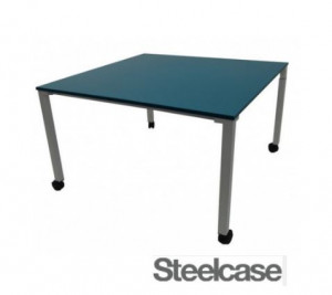 TABLE DE RÉUNION STEELCASE