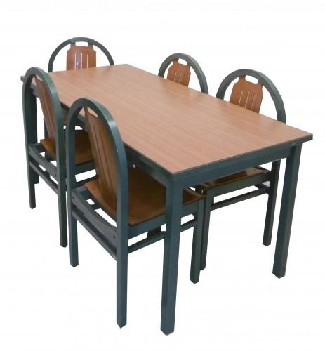 TABLE MERISIER 165X80 AVEC 5 CHAISES