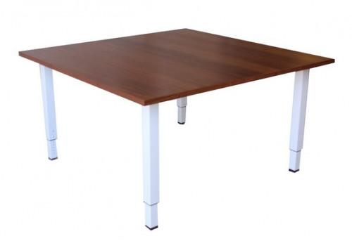 - TABLE DE REUNION
