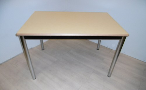 TABLE 4 PIEDS JAUNE PALE