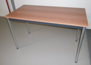 TABLE 4 PIEDS PLATEAU MERISIER
