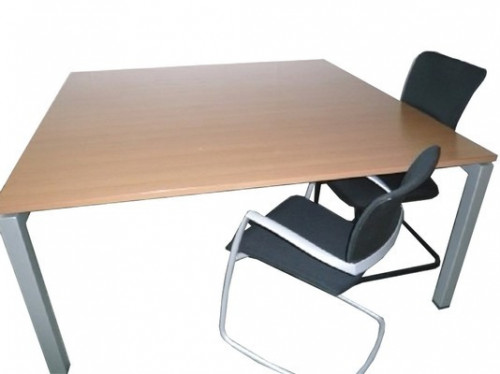 TABLE CONFÉRENCE STEELCASE 160X160