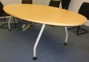 TABLE OVALE 240X120