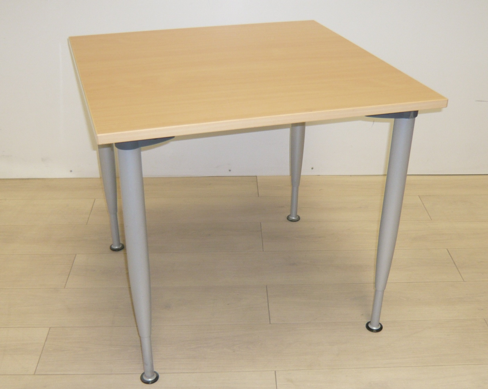 table h tre 4 pieds 80x80 burocase. Black Bedroom Furniture Sets. Home Design Ideas